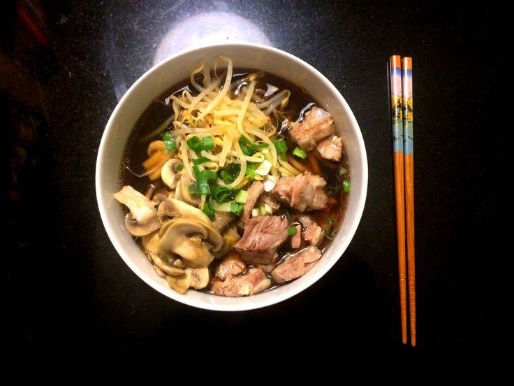 #Ramen #soup for a brillant start of #2017! // #Zuppa di ramen per iniziare l'anno alla grande! // #suppe #japanese #food #cibo #giapponese #maiale #pork #japan #porc #soupe #japonais #japanisch #Schweinefleisch #funghi #mushrooms #champignons #foodblog #blog #recette #recipe #ricetta #rezept