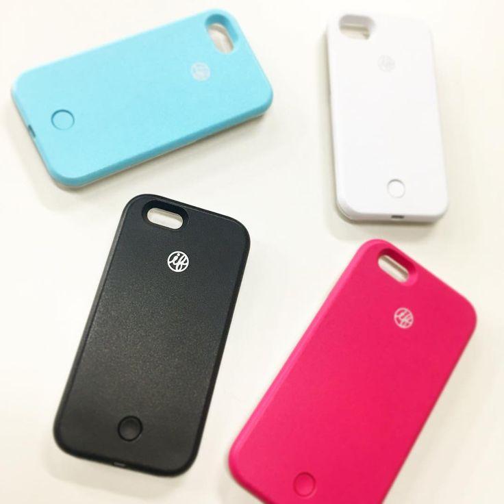 大好評頂いておりますセルフィーライトスマホケースiFlash☆ iPhoneケース買ったよー♥ の報告をしてくれた方々ありがとうございます。 iPhoneの機種によって対応カラーが異なるのですが… 普通に撮るのとこのライトを付けて撮るのでは写真の盛れ方が全然違うので(灬ºωº灬) ぜひ試して見て下さいね! #iFlash #アイフラッシュ #自撮り #セルフィー #iPhoneケース #スマホケース #moerysport #mer #THESTRAND #BLAIR #Rocotta #moeryshop #momoeri #model #fashion #rakuten #dena #yahoo #coordinate #japan #shizuoka #new #ロコッタ #ブレア #ストランド #モエリー #モエリースポーツ #モエスポ #モモエリ #桃華絵里