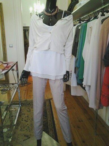 Dress simple, dress lovely. ....❤