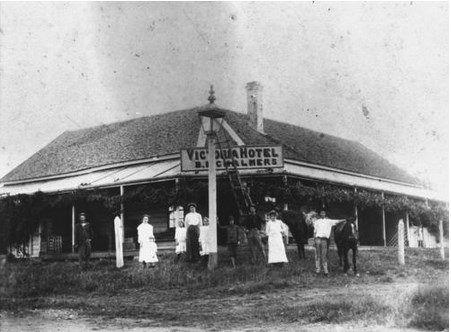 Victoria Hotel at Tiaro, ca. 1905