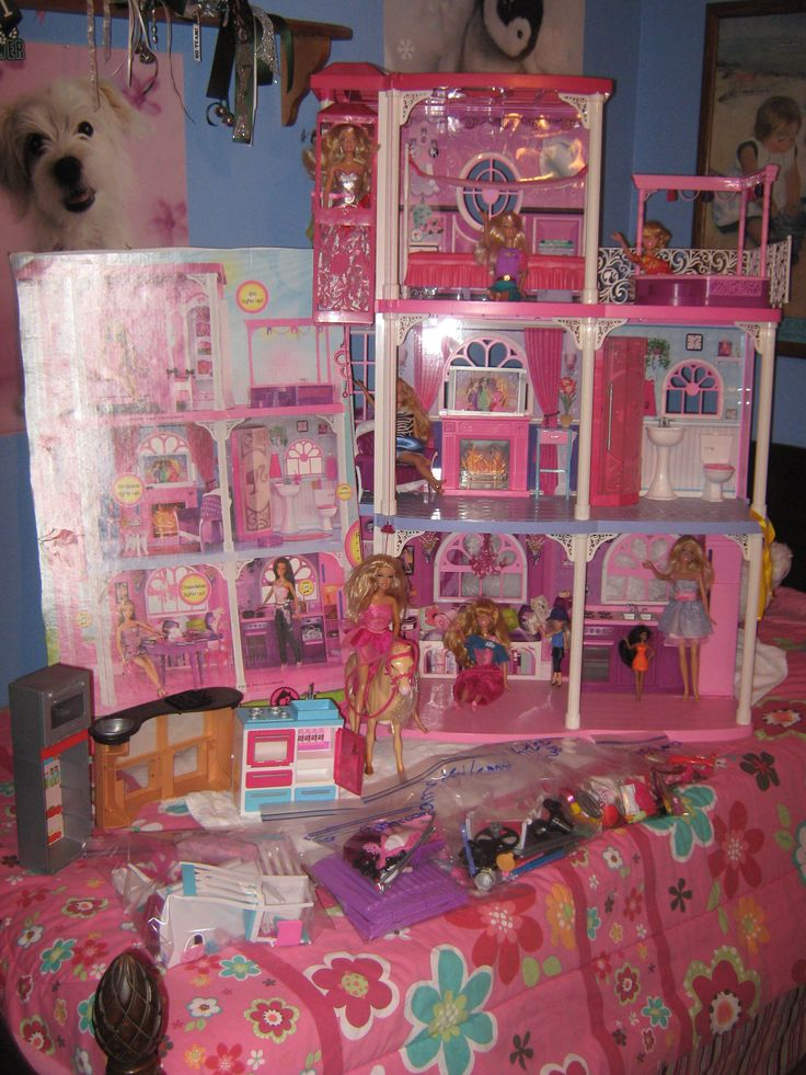 Awesome For Sale Barbie Dream House in MINT Condition Comes with