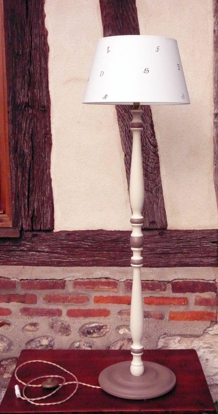 Lampadaire, lampe haute,lampe sur pied, luminaire, liseuse bois peint et patiné, abat jour