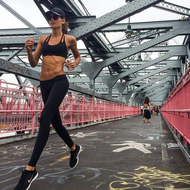 Izabel Goulart fitness