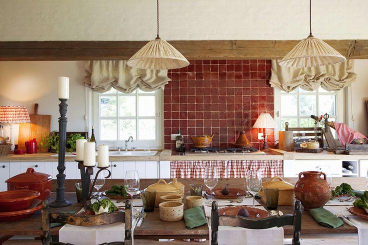 Ispirazione e Idee di Arredamento per Una Cucina in Stile Toscano Tavola