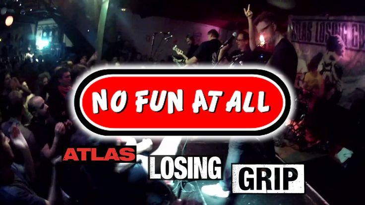 """NO FUN AT ALL visita la península ibérica en una gira para celebrar sus 20 años como grupo, en los que se ha convertido en la leyenda sueca del punk rock. ----------------------------------------- Atlas Losing Grip es una banda sueca de punk rock melódico formada en el año 2005. Acompañaron a """"No Fun At All"""" en su gira de 20º aniversario y en concierto los pudimos escuchar en la sala Estraperlo de Badalona. Este es solo un fragmento sin interrupción de los temas con los que cerraron su…"""