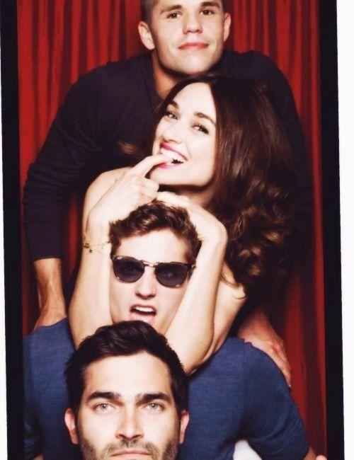 Charlie Carver, Crystal Reed, Daniel Sharman and Tyler Hoechlin behind the scenes of Teen Wolf.