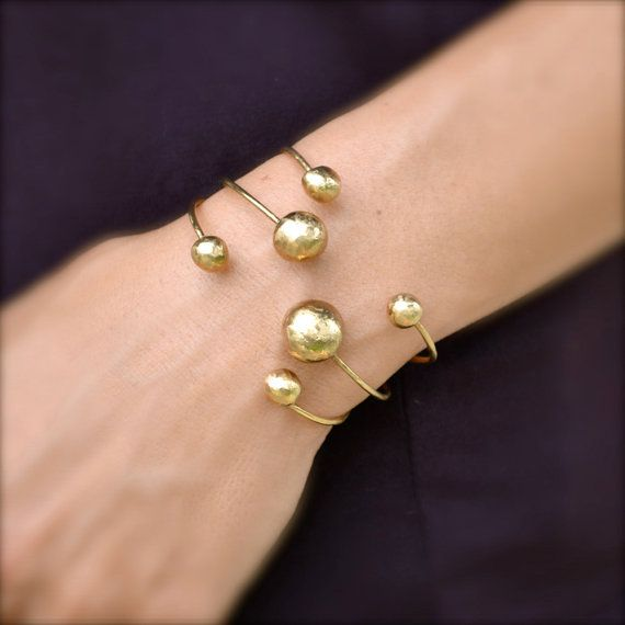Hey, I found this really awesome Etsy listing at https://www.etsy.com/listing/98626896/gold-bangle-6-balls