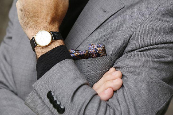 traje-gris-jersey-cuello-vuelto-alto-cisne-negro-01-jose-m.-salgado
