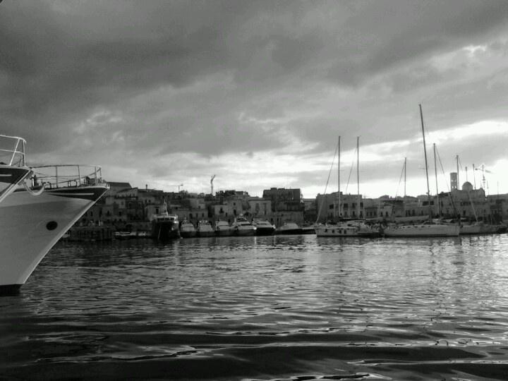 Bisceglie harbour 2