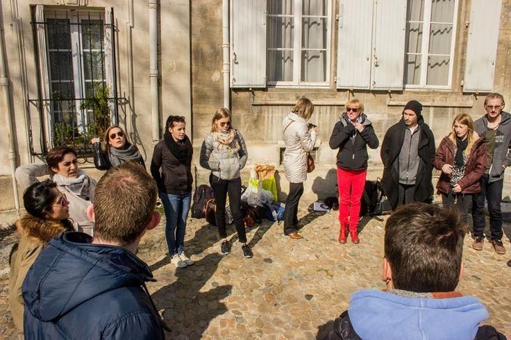 Na het winkelen in Les Halles, kregen we een theater-workshop en een kunst-workshop. Deze workshops waren heel erg leuk en leverde weer een heleboel mooie en grappige momenten op.
