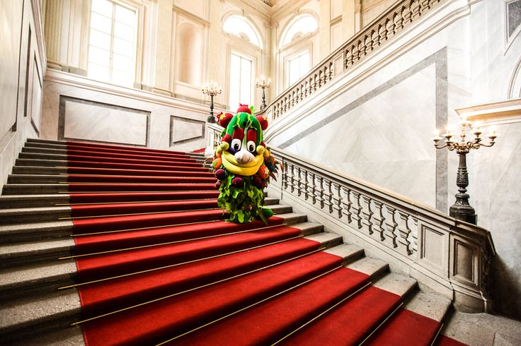 """Greetings from Palazzo Reale.  During Expo2015 it will host a super  huge exhibition on Leonardo.You can't miss it!"" #Foody #Expo2015 #Milano #Italy"