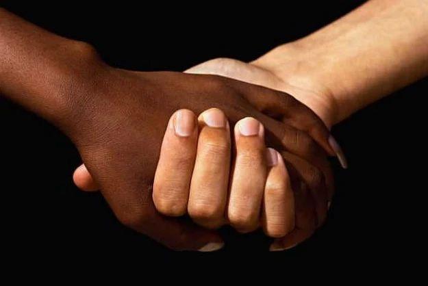 interracial dating vertaling