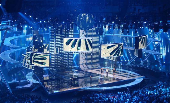 Tv set design tv studio designers film set design and for Tisch design for stage and film