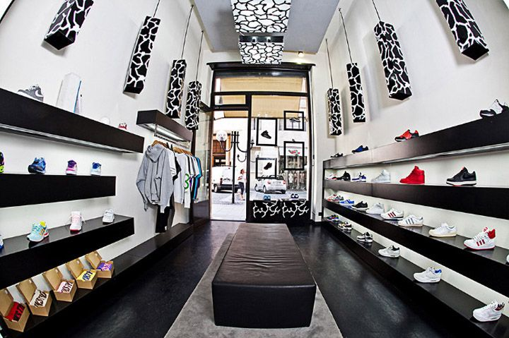 Step by Step sneakers boutique by yet matilde, Turin store design