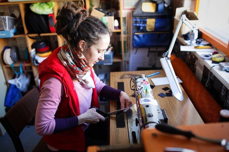 O PZG, zagłębiu małych biznesów mówi się dziś, że jest jak słynna berlińska dzielnica. Młodzi oblegli stare zakłady i wynajmują tam pracownie.