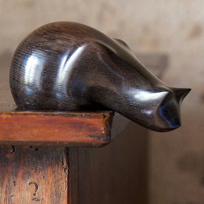 Perry Lancaster | Peeping Tom Cat Carving in Bog Oak