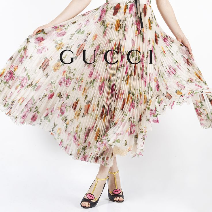 gucci skirt and pumps