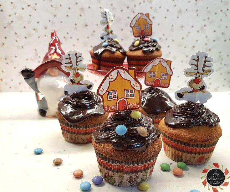 Cupcakes βανίλιας με frosting σοκολάτας με κρέμα τυρί