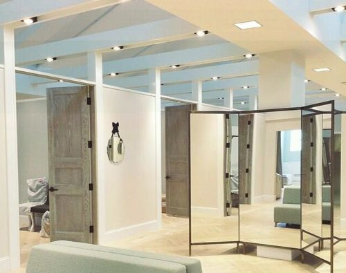 Kleinfeld Bridal opens 1st Canadian location: http://www.retail-insider.com/retail-insider/2014/4/kleinfeld-may-1st