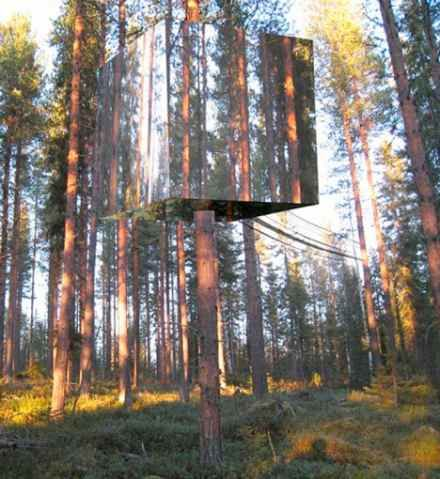tree stand with mirror panels