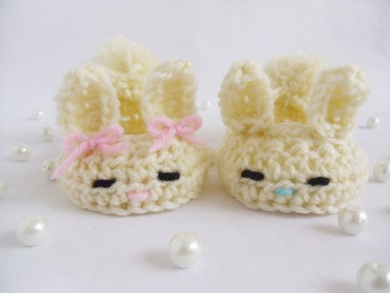 Crochet Baby Bunny Slippers with Bow and by KaelestisCrochet