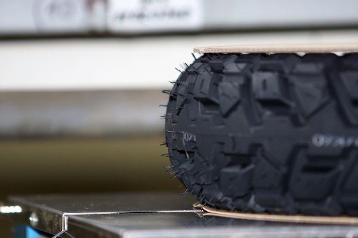 Profilansicht Enduro Cross Reifen Verpackung für Reifenversand