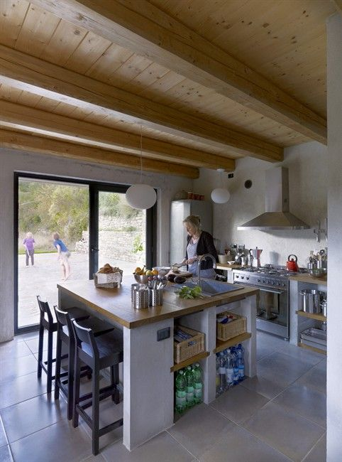 From rural farmhouse to livable family holiday home