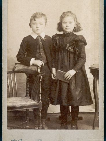 Exactly which one of these lovely children is meant to be dead? NEITHER!! Are all Victorians in photos dead? That's a good trend...
