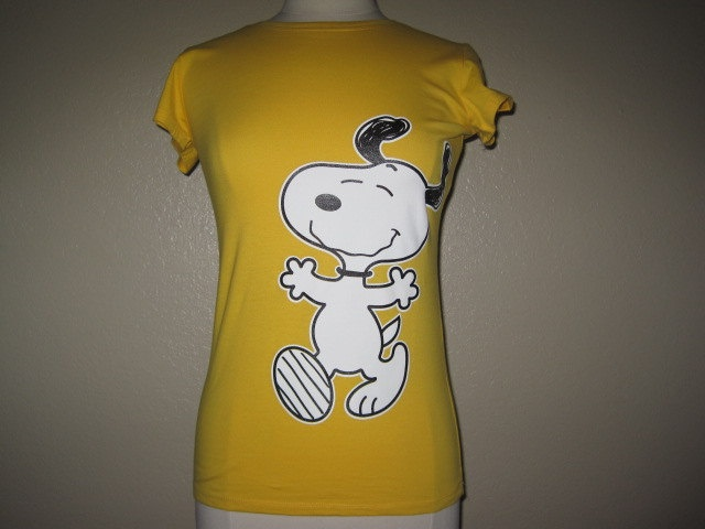 Snoopy Peanuts Gang Charlie Brown T shirt. $11.99, via Etsy.