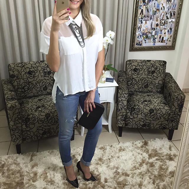 Blusa gola  calça rasgadinha  colar  bolsa.  Compre pelo site http://ift.tt/PYA077 ou mande um whats 47 99531716.