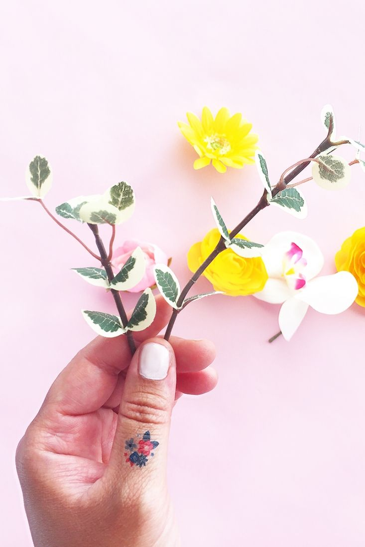 DIY Mini July 4th Floral Tattoos - Maritza Lisa - Celebrate July 4th with these mini floral temporary tattoos! Click through for this DIY and Crafts tutorial!