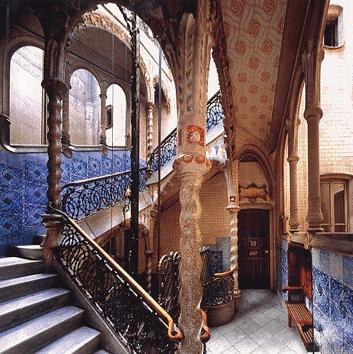 "Gaudi:""Escalera Casa Calvet"" 1898-1899"