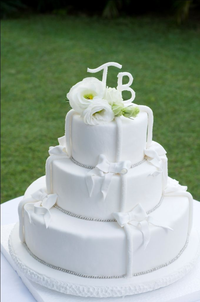 wedding cakes with initials on top 1000 images about wedding cakes on fresh 26046