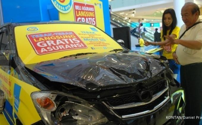Mobil saya dibawa oleh pihak Garda Oto, tetapi sampai hampir empat bulan sejak kejadian ternyata mobil saya belum dikerjakan dengan baik.