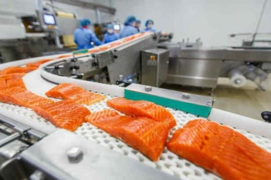 H λίστα τροφών που έχουν συνδεθεί με το καρκίνο όπως την παρουσιάζει το nutrilabs: 1) Γενετικά Μεταλλαγμένοι Οργανισμοί (GMOs) Γενετικά