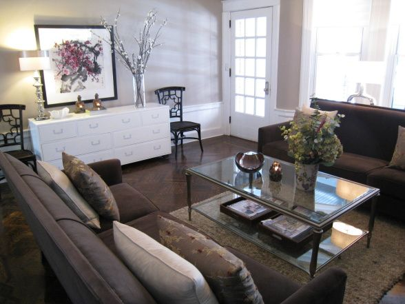 Consider White Laquer In Livingroom