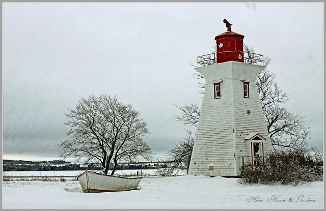 Aiken House & Gardens: Victoria by the Sea in Winter