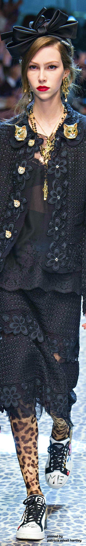 Dolce & Gabbana Fall 2017 RTW ✨ ʈɦҽ ƥᎧɲɖ ●•°❤ﻸ•·˙❤•·˙ﻸ❤ ᘡℓvᘠ □☆□ ❉ღ // ✧彡☀️ ●⊱❊⊰✦❁❀ ‿ ❀ ·✳︎· ☘‿ SU AUG 20 2017‿☘✨ ✤ ॐ ♕ ♚ εїз⚜✧❦♥⭐♢❃ ♦♡ ❊☘нανє α ηι¢є ∂αу ☘❊ ღ 彡✦