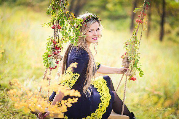 Осень в Красноярске #красноярск #рябина #качели