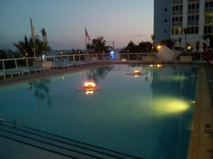 8 best The Floating Fire Pit images on Pinterest | Fire ...