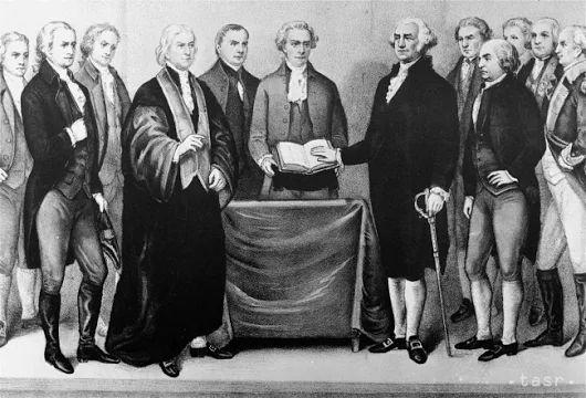 Prvý americký prezident George Washington sa narodil pred 285 rokmi