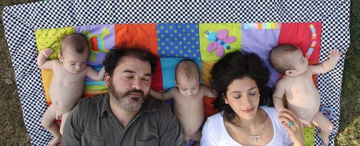 PH: Luciano Menardo Cuando éramos 5 y pensábamos que éramos muchos...todavía ni sabíamos que llegaría  Anita.  #Familia #Triplets #Trillizos