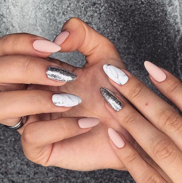 Nail inspo // Follow (@RomaStyled) for more