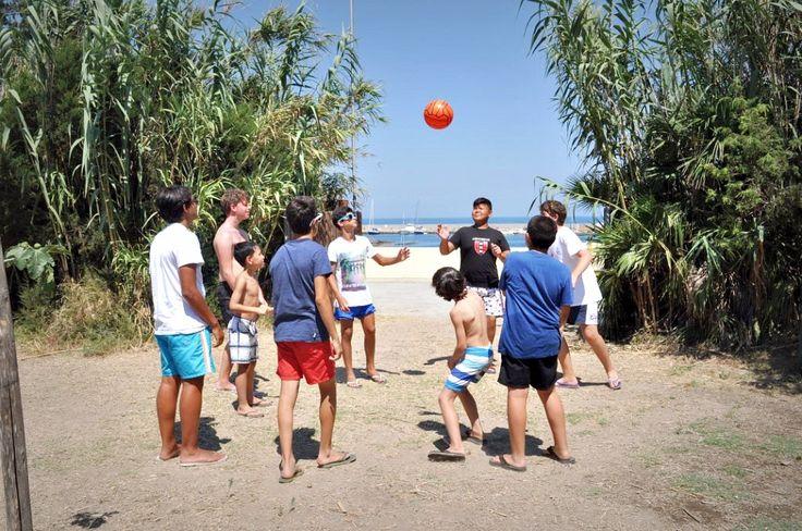 Giochi #10. A pochi passi dalla #spiaggia di #Calarossano, giocare a palla!