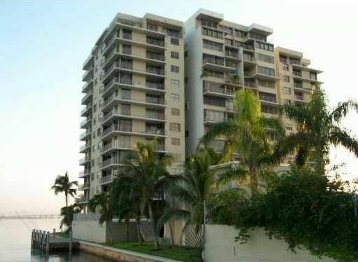 The Venetian Isle condominium is located at 801 North Venetian Drive right on Biscayne Bay in the South Beach area of Miami Beach, just a few steps from the Atlantic Ocean and a few minutes walk to world famous Ocean Drive. The Venetian Isle has incredible bay and city views and year-round bay breezes.
