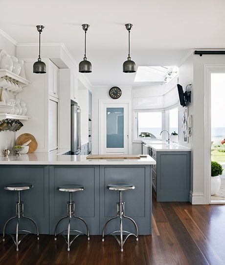 Stylish and casual beach house design by coco republic for Casual home kitchen island
