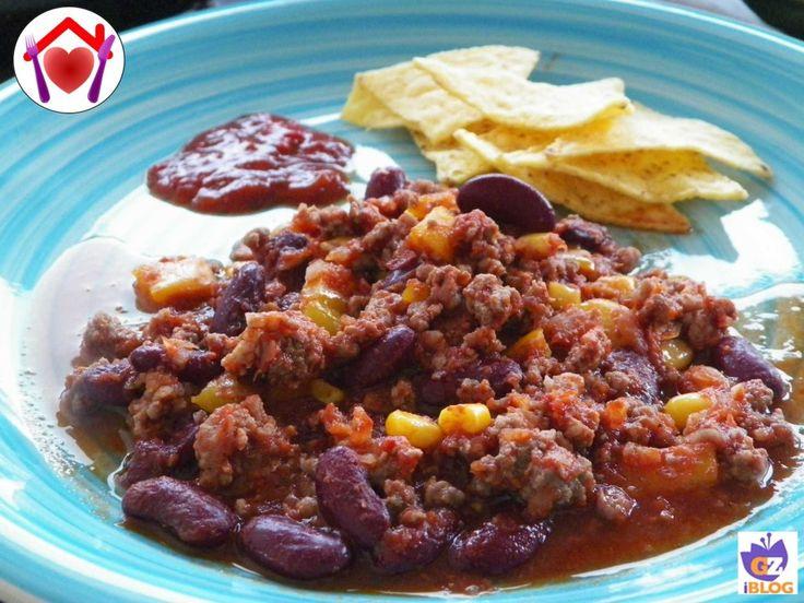 Il chili con carne è un piatto tipico messicano a base di carne tritata, peperoncino e spezie.