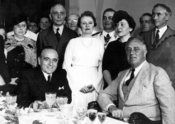 Brazilian President Getúlio Vargas (left) and US President Franklin D. Roosevelt (right) in 1936