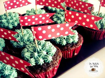 """Manjerico"" Cupcakes for Lisbon's Santo Antonio."