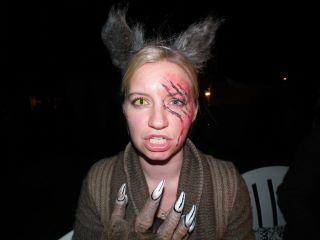 Varulv ble til på halloween, takket være ansiktsmaler.no